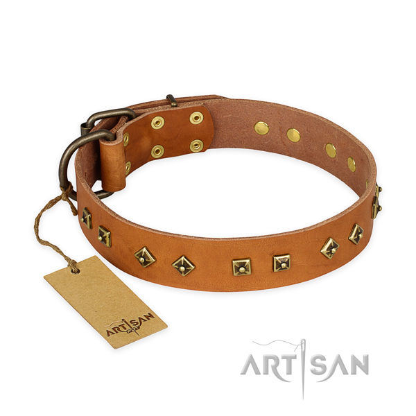 Comfortable genuine leather dog collar with corrosion proof traditional buckle
