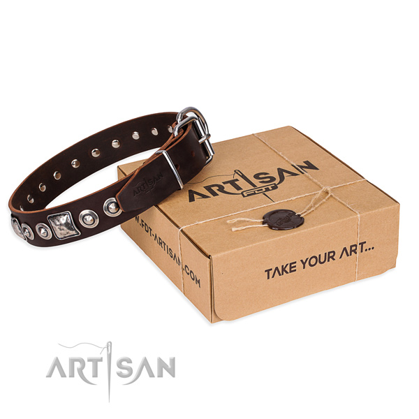 Natural genuine leather dog collar made of top rate material with rust-proof fittings